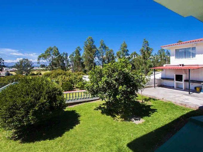 zion-inmobiliaria-la-armenia-casa-amplia-jardines