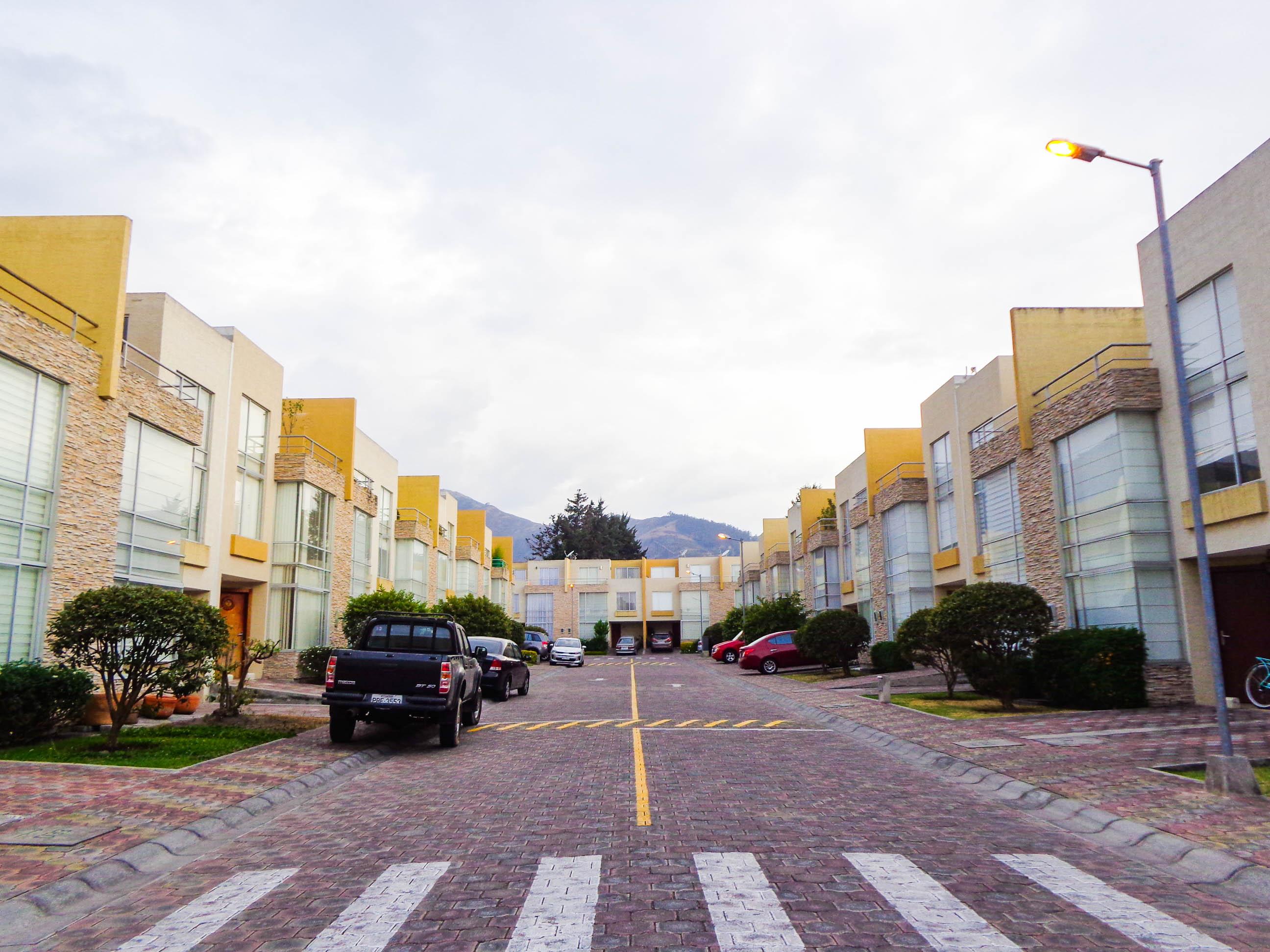 Tumbaco Moderna Casa Cerca del Santa Maria