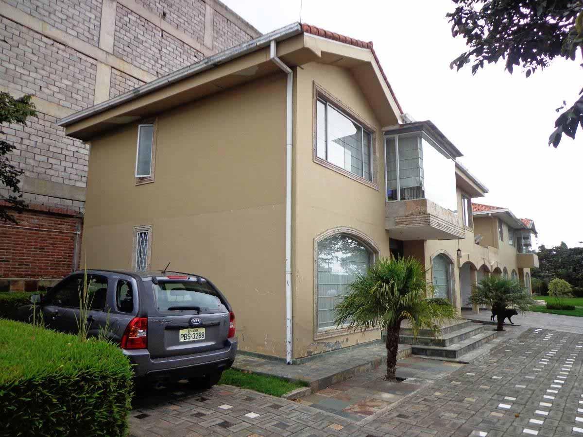 Moderna casa 250 m² dos plantas – sector Nayón Tanda