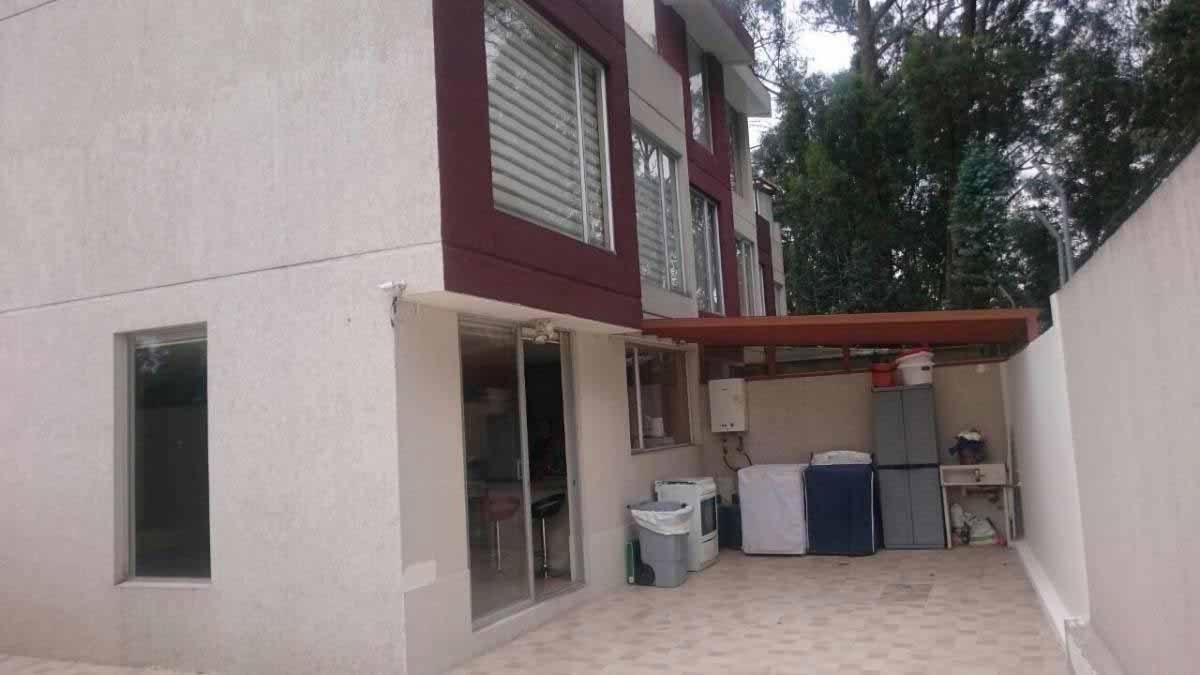 zion-inmobiliaria-hermosa-casa-esquinera-conocoto-sector-dean-exteriores