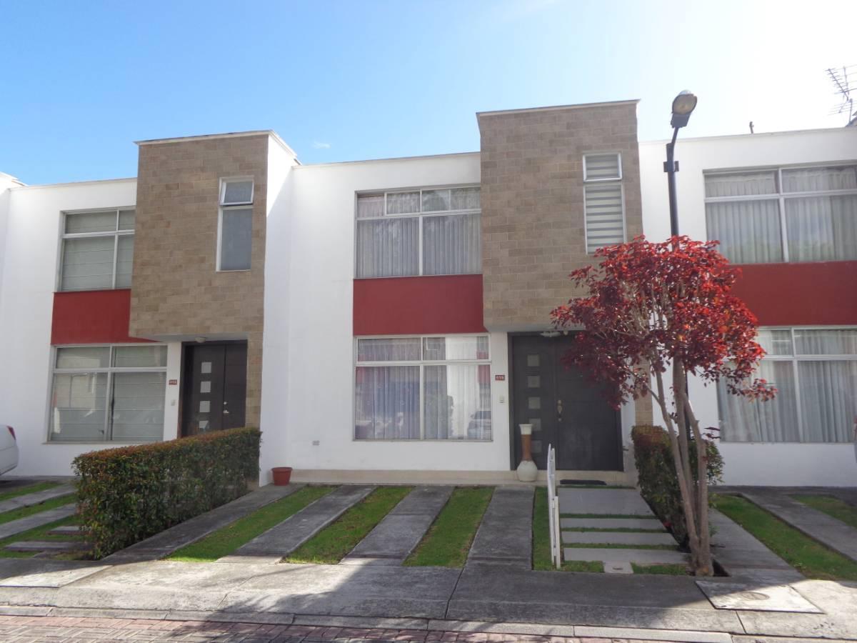 Valle De Los Chillos, Mirasierra, Acogedora Casa 2 Plantas $98.000