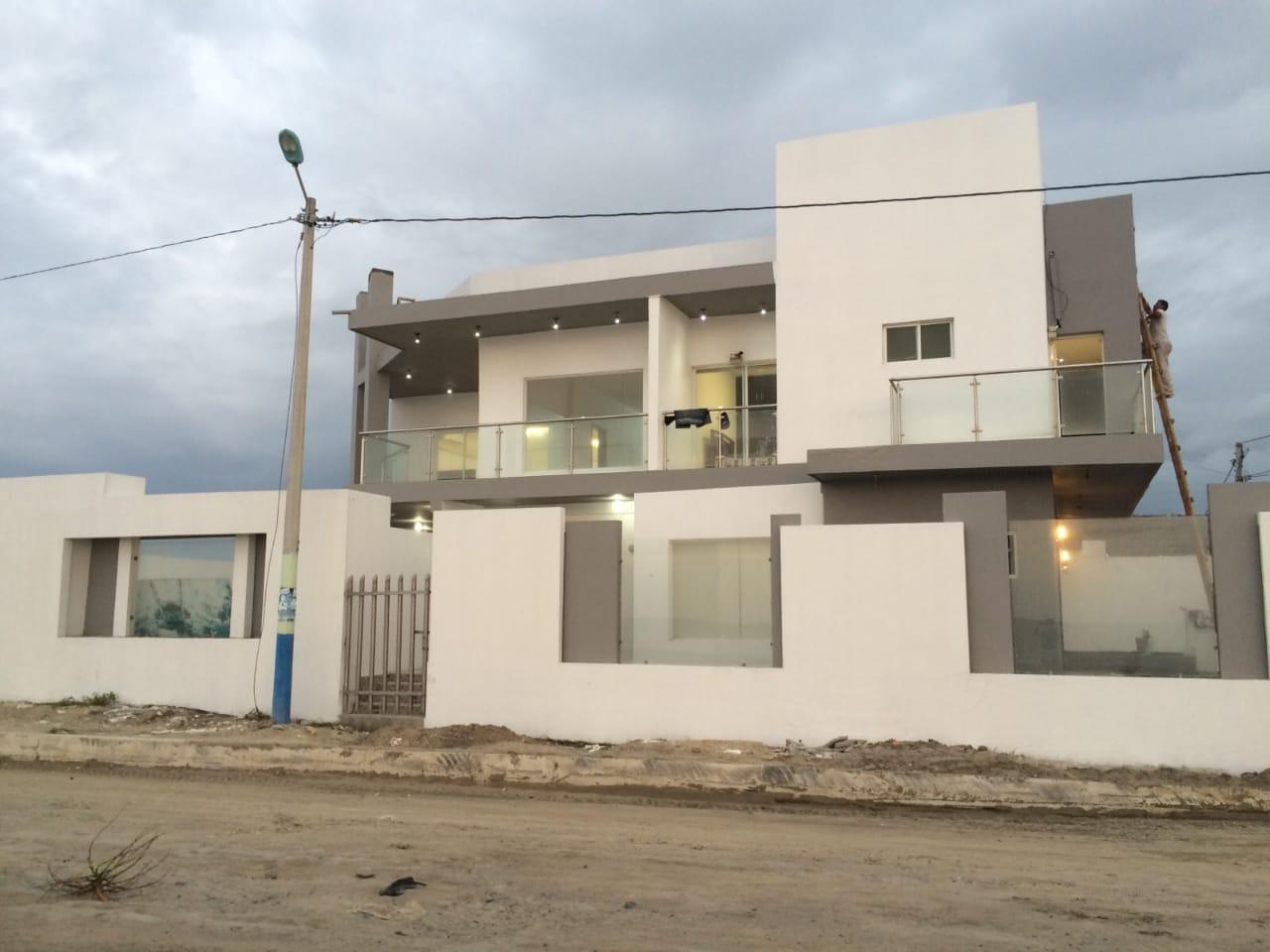 Atacames Hermosa Casa Frente a La Playa